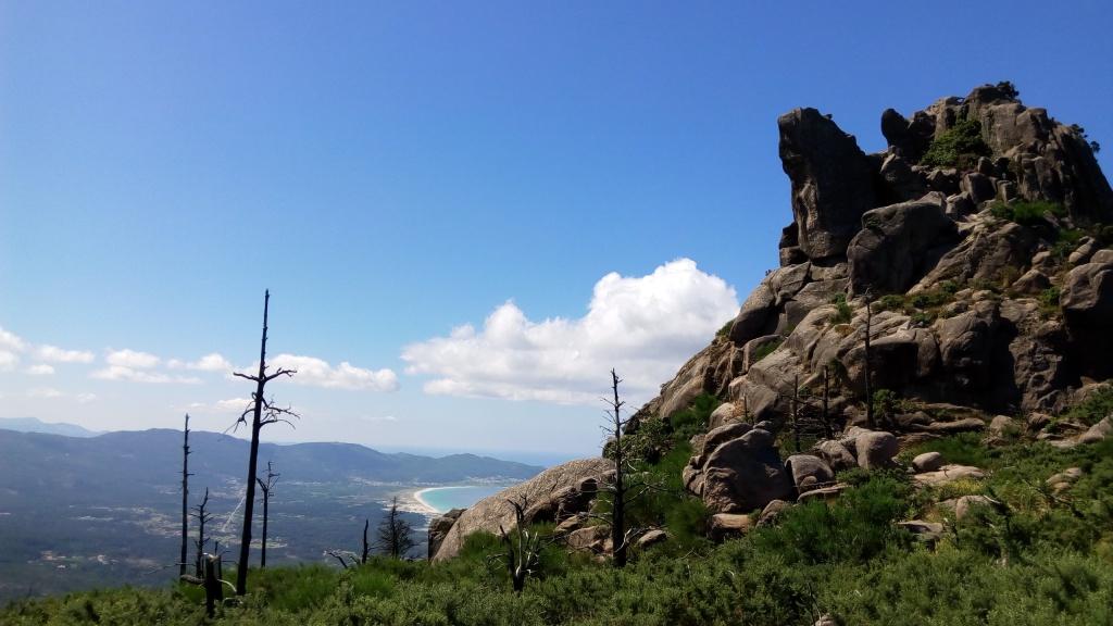 rochas e plaia